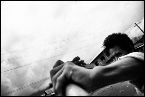 "Photojournalism | ""Inside Fractured Territories"" by Vivek Singh 