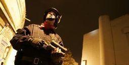 Gérard Collomb défend l'armement en flash-ball de la police ... - metronews | Secrets lyonnais | Scoop.it
