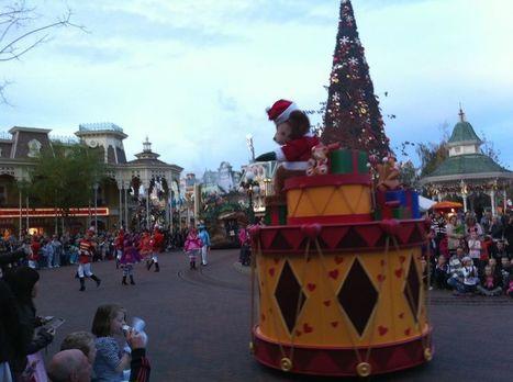 Characters Photos Blog (Live! Direct!) Duffy sur la Parade des Rêves Disney.   Disneyland Paris   Scoop.it