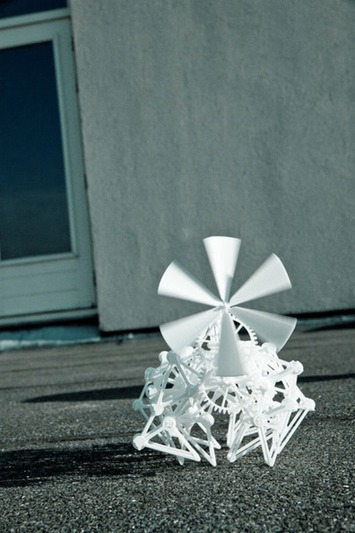 The 3D Printed Strandbeest Takes Wind Power and Walks (Video) | Machinimania | Scoop.it