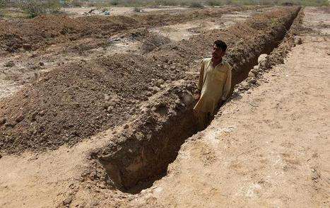 Pakistan city readies graves, hospitals, in case heat wave hits again | Sustain Our Earth | Scoop.it