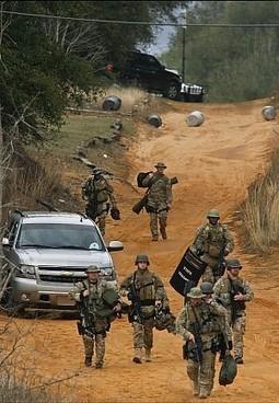 Alabama, elicotteri e ambulanze al bunker.  E Twitter si mobilita per il piccolo ostaggio - Repubblica.it   Criminologia e Psiche   Scoop.it