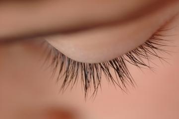 Colle cils Alternatives | Maquillage | Scoop.it