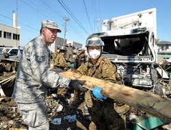 [Eng] Les résidents Miyagi remercient les forces américaines pour les efforts de secours | The Mainichi Daily News | Japon : séisme, tsunami & conséquences | Scoop.it