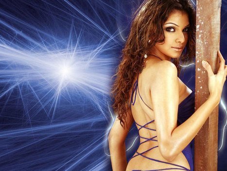 Sherlyn Chopra | Supergoodmovies | Scoop.it
