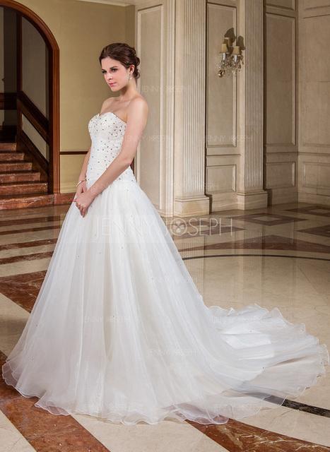 [SEK 1464] A-linjeformat Hjärtformad Kapell Tåg Organzapåse Bröllopsklänning med Rufsar Pärlbrodering Paljetter (002011593)   jenjenhouse   Scoop.it