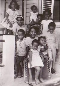 Matriarcat antillais : la famille matrifocale, sans père ni mari, où les grand-mères sont cheffes   Autres Vérités   Scoop.it