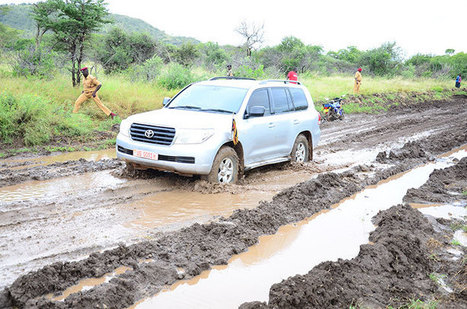 MPs stuck on muddy road for six hours | Ivan Peter Otim | Scoop.it