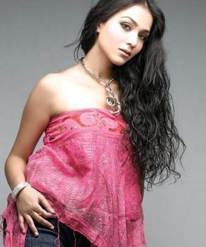 Humaima Malick Hot in Raja Natwarlal - Gajodhar Bhaiya.Com | gajodharbhaiya.com | Scoop.it