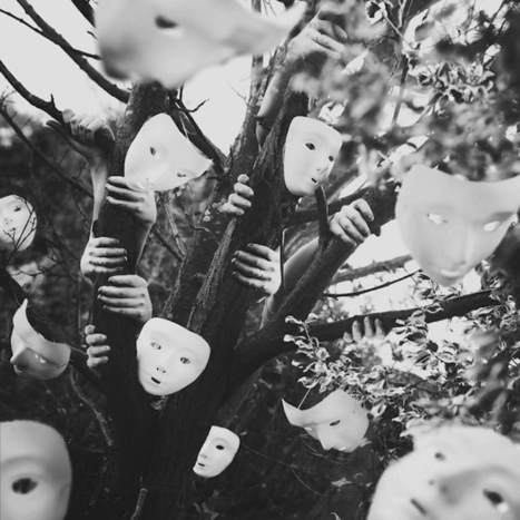 18-Year-Old Photographer's Spectacular Conceptual Self-Portraits | io art | Scoop.it