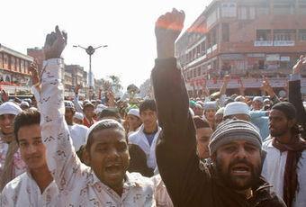 Qui a voulu éloigner Salman Rushdie du festival de Jaipur? | BiblioLivre | Scoop.it
