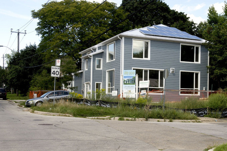 house and solar panels | Environmental Permitting and Compliance | Scoop.it
