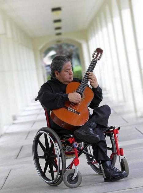 Fabián Carrera, acordes de guitarra clásica contra la discapacidad | Educació Musical | Scoop.it