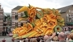 Impressive Giant Flower Sculptures From The Zundert's Annual Flower Parade - DesignTAXI.com | Victoria Florist | Scoop.it