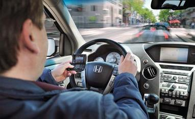 Texting While Driving: How Dangerous is it? - Feature   Texting and Driving   Scoop.it