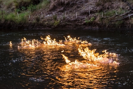 #Australia #politician sets river on fire to protest #fracking dangers #environment | Messenger for mother Earth | Scoop.it