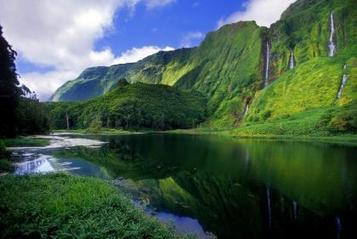 """""""The Island of Flores – A Dreamworld,"""" by Victor Rui Dores. Translated into ... - RTP   Azores   Scoop.it"""
