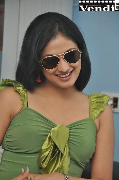 Hari Priya Telugu Heroine Cute Stills | Telugu Cinema News | Scoop.it