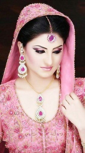 2014 New Make Up Collection For Girls| Party Makeup Noor Palour birdal pic. - ..:: Fashion Wd Passion ::.. | Live a Stylish Life | Scoop.it