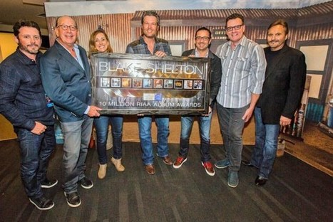 Blake Shelton Joins Elite Group With 10 Million Albums Sold | Country Music Today | Scoop.it