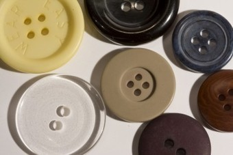 Thrifty Tuesday Tips: Old Clothes and Buttons   Home   Scoop.it
