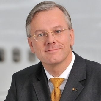 Lufthansa CEO Steps Down, Heads To Drug Company Roche | Life Science Logistics | Scoop.it