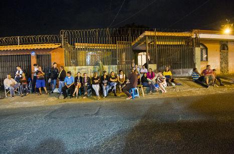 Vecinos   alejan con  tertulia a delincuentes de su barrio | Condominio y entorno urbano | Scoop.it