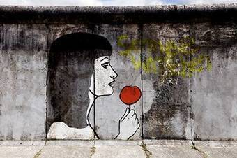 Spectacle Blanche Neige ou la chute du Mur de Berlin | INFOS CULTURELLES | Scoop.it
