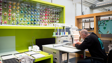 Moederdag actie: gratis gepersonaliseerde zakdoek van TextielMuseum - Tilburg.com   TextielMuseum   Scoop.it