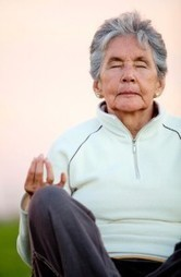 Seniors' balance and confidence improve after taking part in yoga | Dahn Yoga in Hawaii | Aging Well | Scoop.it