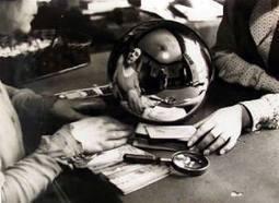 La adivina // The fortune teller (by André Kertész, 1930)   Photography Now   Scoop.it