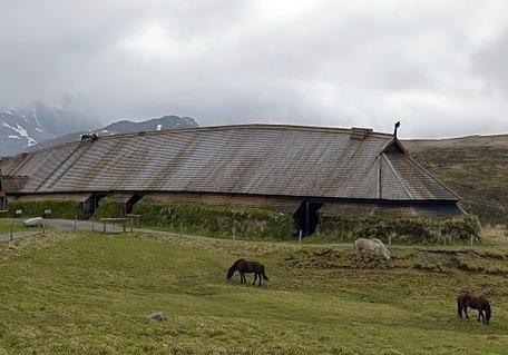 Les Découvertes Archéologiques: Une salle des festins Viking découverte en Suède | Merveilles - Marvels | Scoop.it