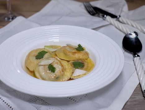 Ravioli au confit de canard et coriandre et bouillon au gingembre - Et si c'était bon...   Chef, à table !   Scoop.it