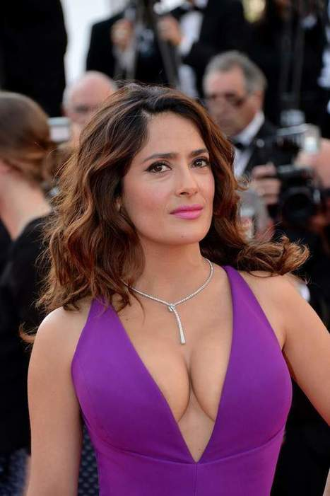 Photos : Salma Hayek exhibe ses gros seins sexy à Cannes | Radio Planète-Eléa | Scoop.it