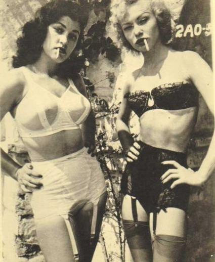 Vintage Smoking Gals In Lingerie & Stockings | Fashion Hosiery | Scoop.it