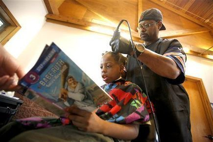 Iowa barber gives haircuts to children in exchange for them reading stories to him | Parish | Scoop.it