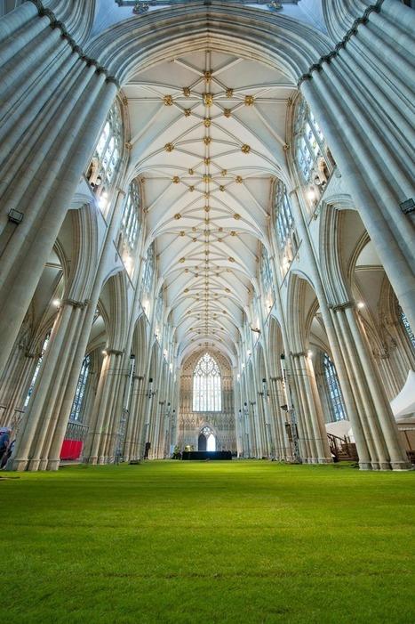 Insolite : du gazon dans une cathédrale | Mon Web Bazar | Scoop.it
