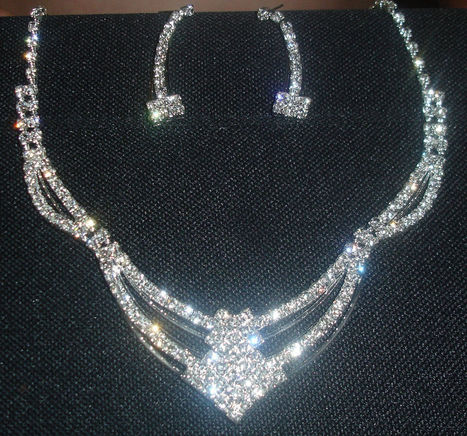 GORGEOUS Christmas Party Wedding Bridal Necklace Earring SET Rhinestone Crystal | Ebay,Etsy,Amazon | Scoop.it
