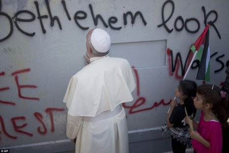 Pope lends tacit support for Palestinian state as he arrives by helicopter in Bethlehem during Middle East tour | enjoy yourself | Scoop.it