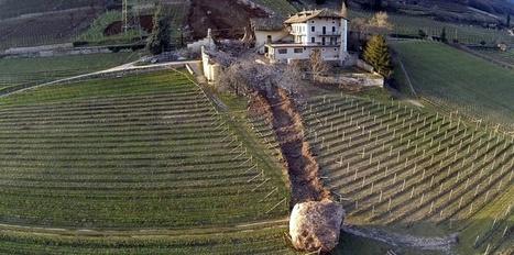 Des rochers géants se détachent, roulent sur une maison...   The Blog's Revue by OlivierSC   Scoop.it