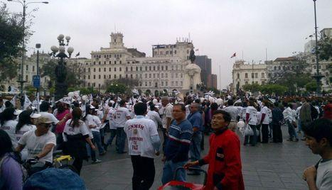 FOTOS: así se desarrolló la marcha contra el terrorismo en Lima   Perú Anisima   Scoop.it