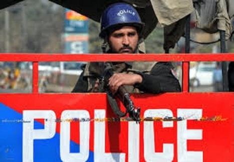 Police Sentry Duty - Public behaviour towards Police - Dhol Sipahi | Dhol Sipahi | Scoop.it