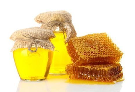 "Psoriasis Treatment with Honey | Organic Facts (""not a cure but can be used as natural relief agent"") 