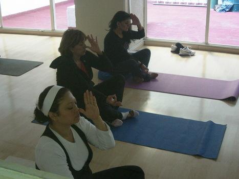 Kriya para contrarrestar el enojo reprimido y ajustar el Sistema Endocrino- | yoga med | Scoop.it