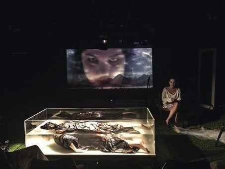 Christiane Jatahy, metteuse en scène, en quatre dates (LE MONDE) | Les spectacles du CENTQUATRE dans la presse | Scoop.it