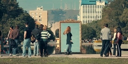Street Marketing : un miroir sympa qui complimente les femmes | streetmarketing | Scoop.it
