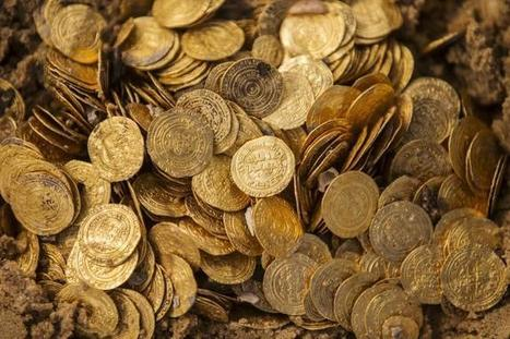 Archaeologists Stumble Across a Hoard of Gold | DiverSync | Scoop.it