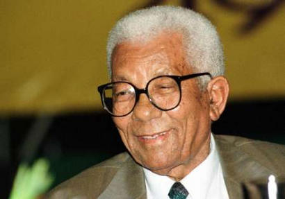 Short Biography: WALTER MAX ULYATE SISULU | They put Afrika on the map | Scoop.it