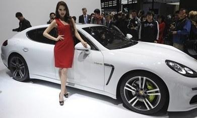 £90,000 Porsche gets low-carbon government grant   Current Events   Scoop.it