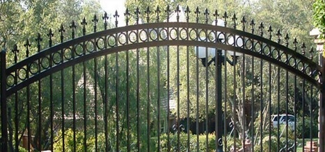 Residential and Commercial Iron Fencing | Ornamental Iron | Wrought iron fencing | Driveway gate | Scoop.it